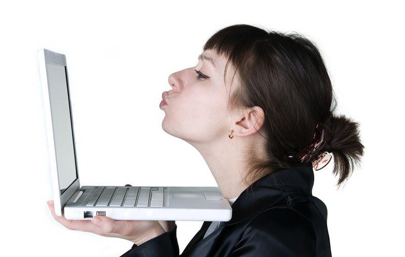 знакомства в интернете или в реале