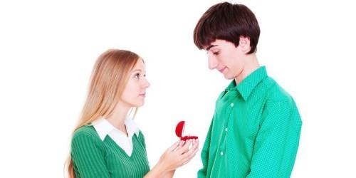 Как девушке признаться в любви парню