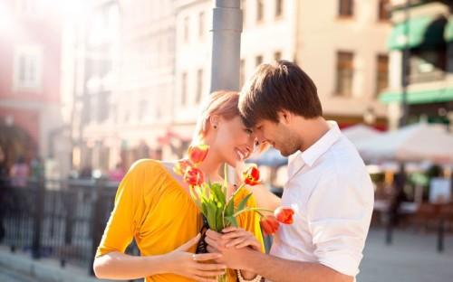 Как выбрать момент для первого поцелуя